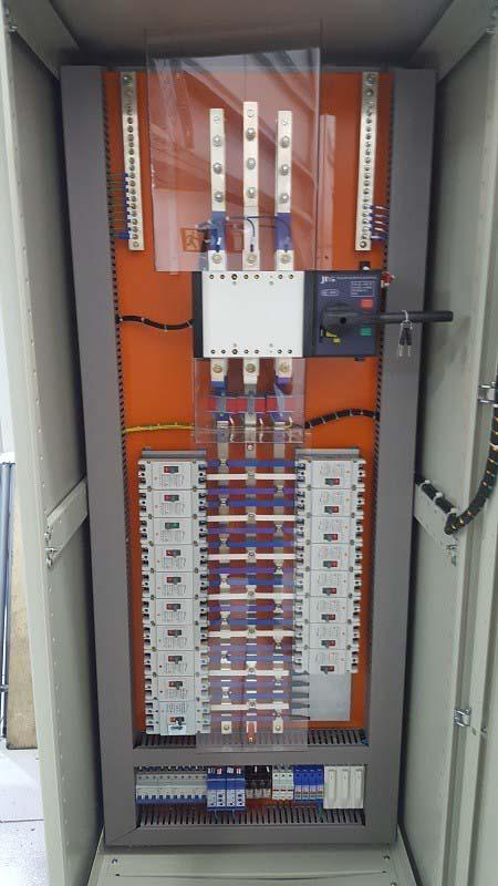 Quadro de comando elétrico